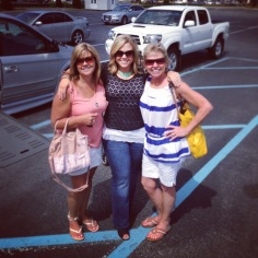 Dana with her sister and mom